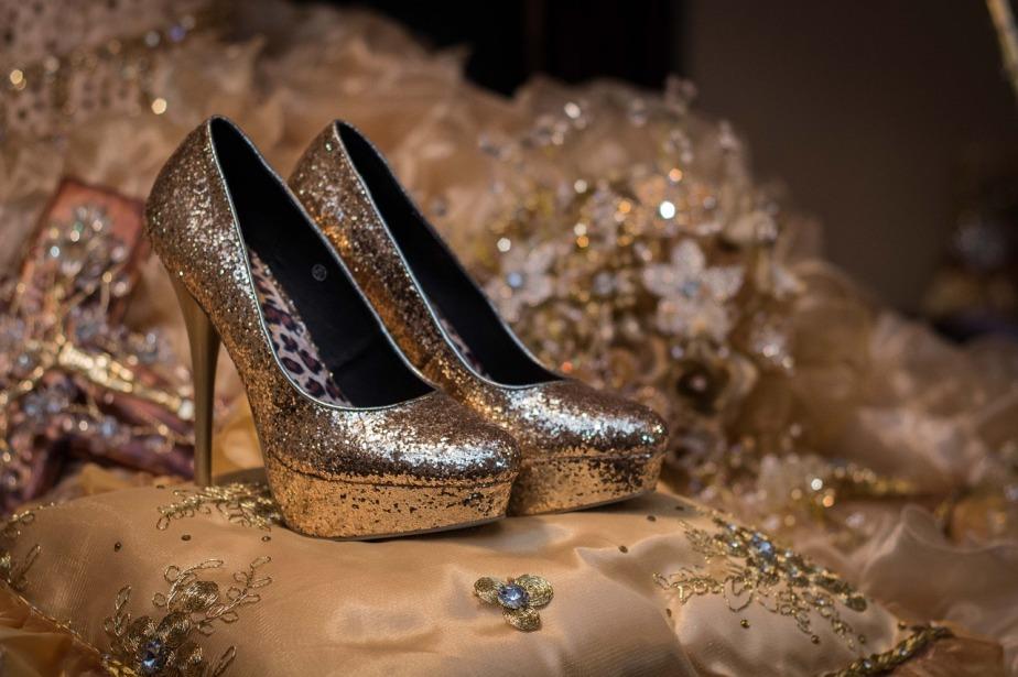 shoes-1468818_1280