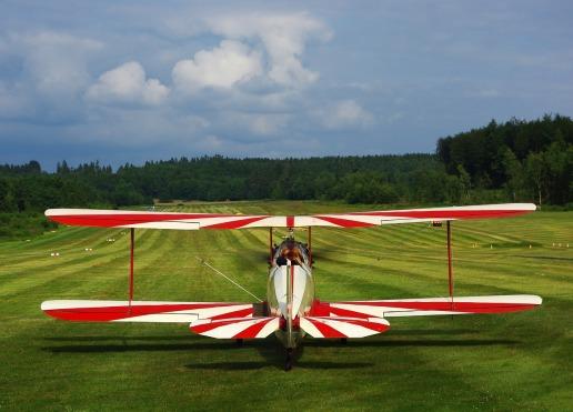 sport-aircraft-1348199_1280